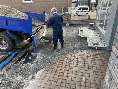 函館市 中道 駐車場 防草シート 整備 外構 工事 敷地内整備