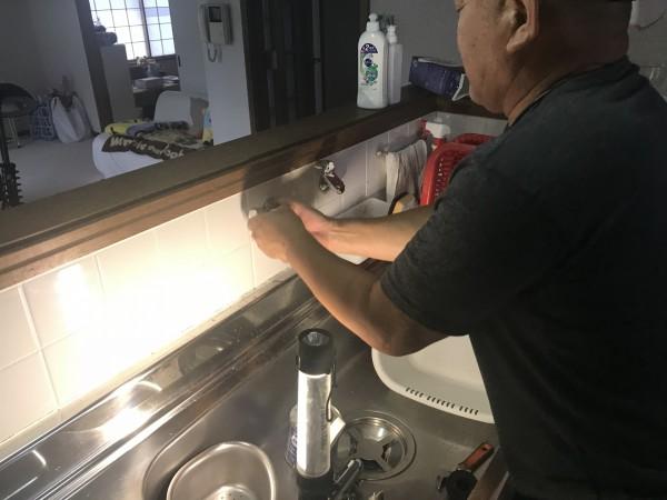 新しい水栓の取り付け
