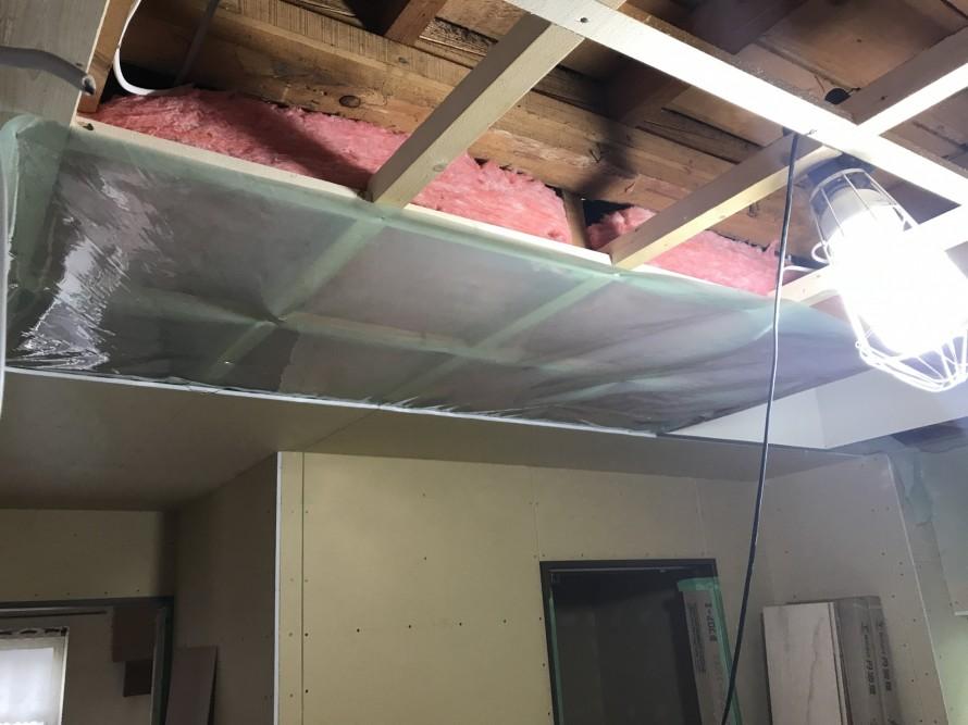天井断熱気密工事