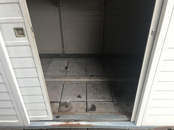 床が無くなった物置