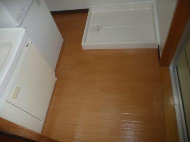 函館市花園町の住宅洗面脱衣室の床フローリングからクッションフロアへ貼替工事