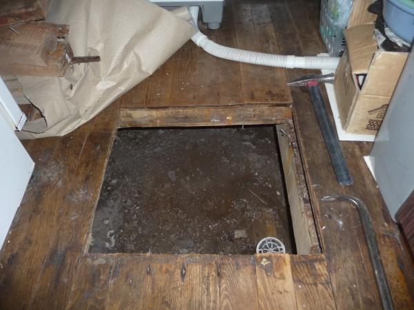 古い床下点検口