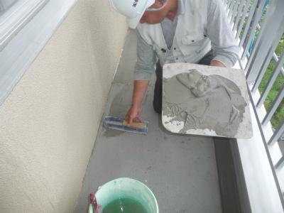 モルタルを平滑に塗る