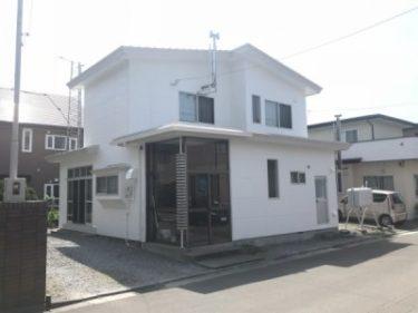 函館市美原の屋根外壁塗装と仕上げ変更と落雪による屋根修繕
