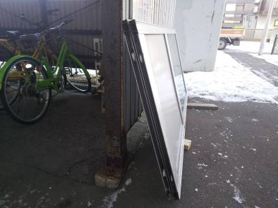 共用玄関引戸戸車交換工事