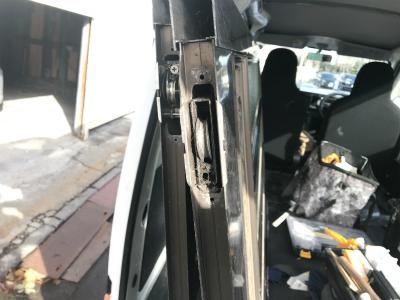 玄関扉の戸車