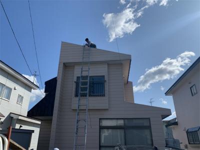 2階の屋根に雪止め設置