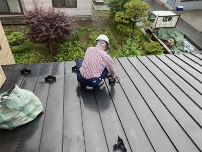 二階屋根に雪止め取り付け