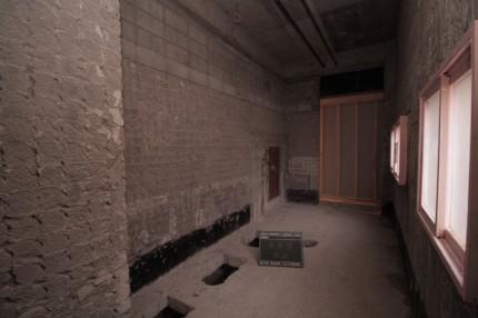 内装解体後の女子トイレ
