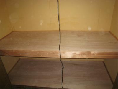 物入内の棚板類撤去