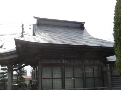 葺替え後の金毘羅堂