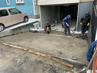 車庫アスファルト舗装工事