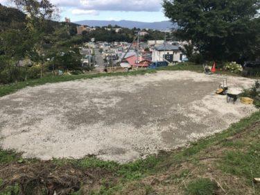 函館市谷地頭の駐車場整備(草刈り・砂利敷き)CM撮影協力