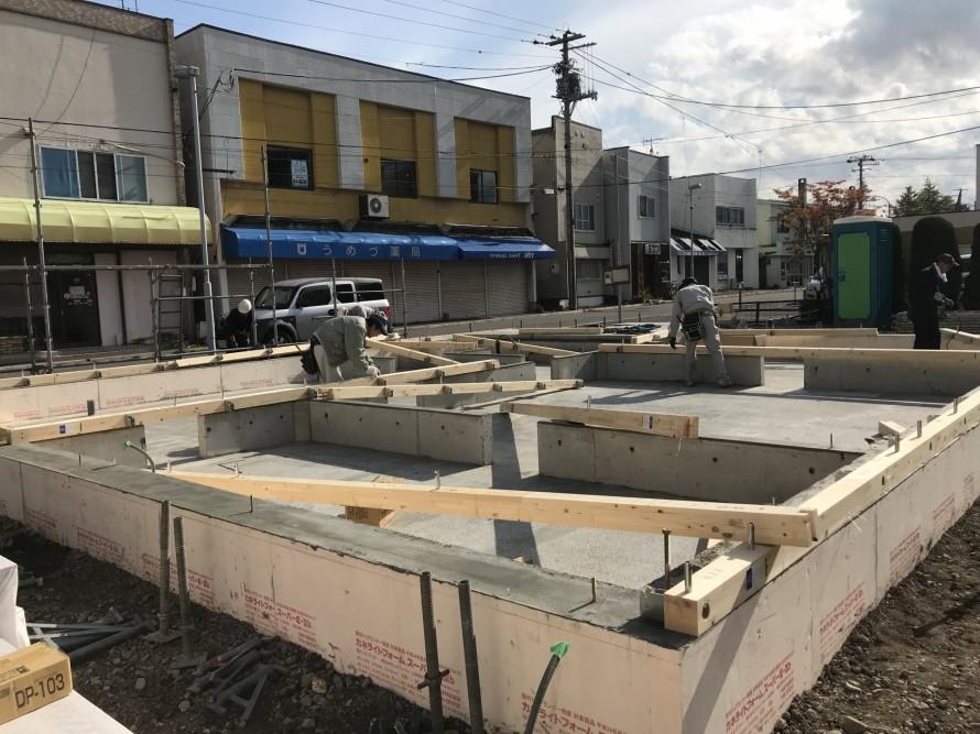 コンクリート部分の基礎工事が終わりました