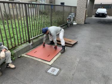 函館市東雲町にあるマンション駐車場鉄板交換工事